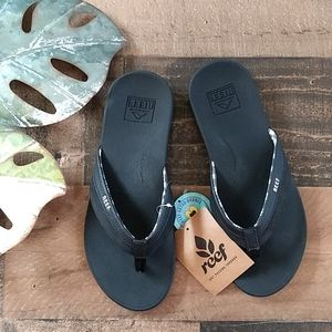 NWT Reef Black Flip Flop Sandals